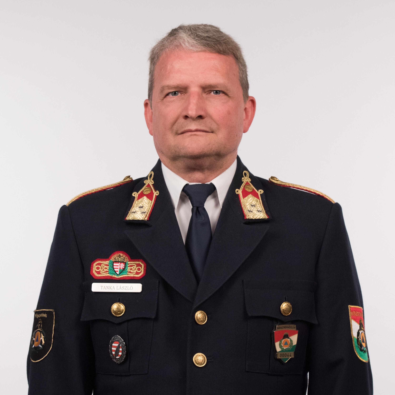 Tanka László