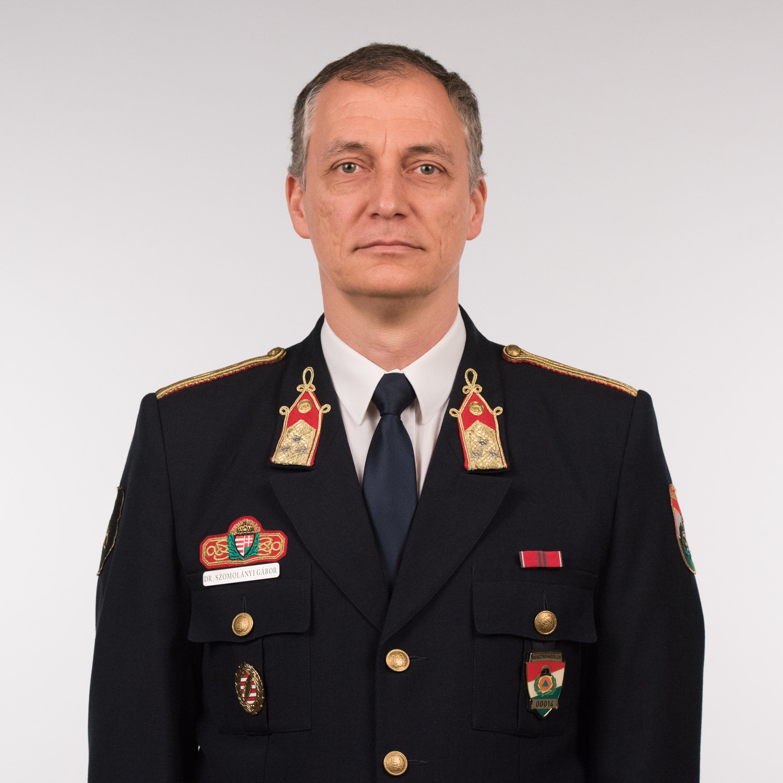 Dr. Szomolányi Gábor