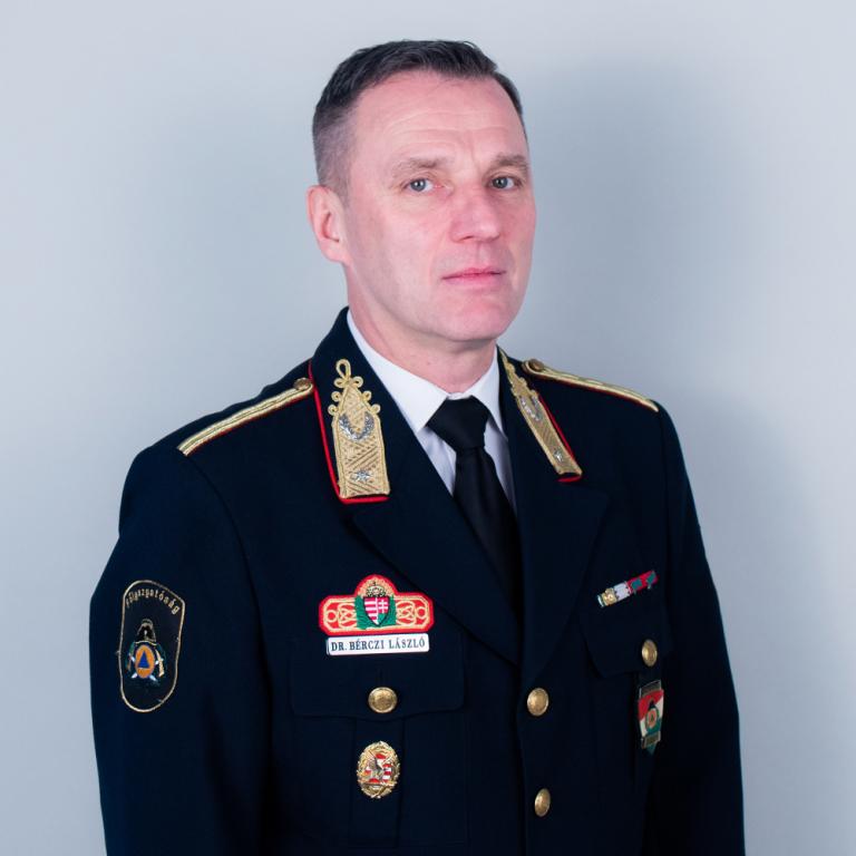 Dr. Bérczi László fotója