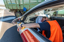Az elektromos autó sérült vezetője